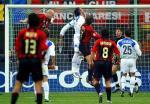 图文:冠军联赛AC米兰VS国米 斯塔姆头球攻门