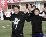图文:辽宁2-4大连 足球宝贝起舞