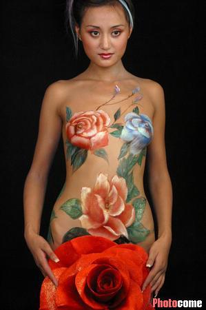 组图:边缘艺术的美丽--我在人体上绘出精彩