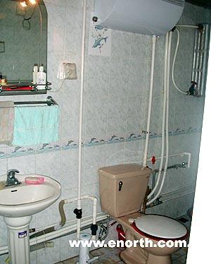 压力泵水器,过滤装置,储水器等几个部分组成,适用于各类洗菜,洗手盆下