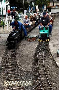 布鲁塞尔:微型火车蒸汽游乐园[图]-搜狐网设计内饰图纸别墅旅游图片