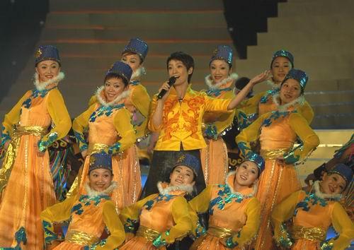 图文:金鹰节闭幕―群星闪耀的颁奖典礼-15