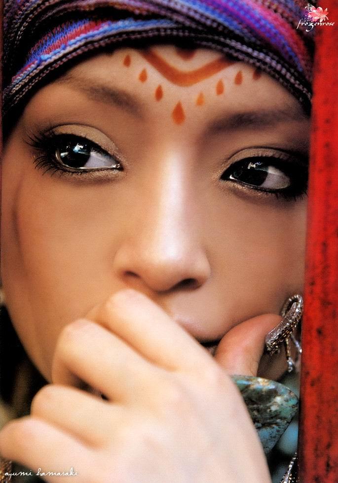 姓名:滨崎步 英文名字:Ayumi Hamasaki 出生地:日本福冈县 生日:1978年10月2日 星座:天秤座 血型:A 型 身高:156 厘米 体重:40 公斤 三围:B80cm W53cm H82cm 兴趣:钢琴,书法五段,芭蕾,珠算,野球观战,音乐鉴赏 音乐专辑:《Voyage (日本版)》《A BALLADS》《RAINBOW (日本版)》《H》《I am.