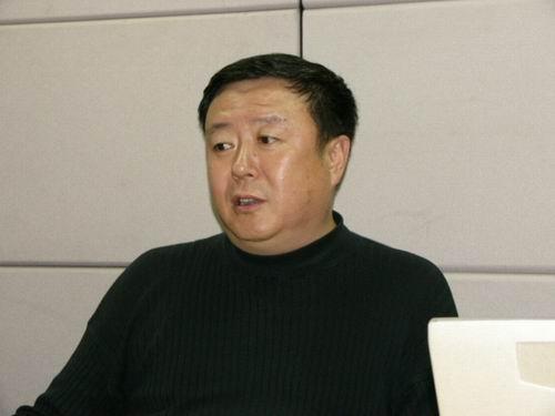 图文:11月13日著名导演尤小刚做客搜狐-13