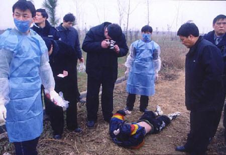 王蕊)一名年仅12岁的初中生,竟被以其表姐夫为首的一伙歹徒绑架撕票