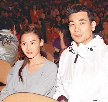 1300张艱�i� .��n�H�:(��阽j!�JJw�z]������'n���� O��������O芝塹�_赵文卓到场支持旧爱,与张柏芝排排坐.