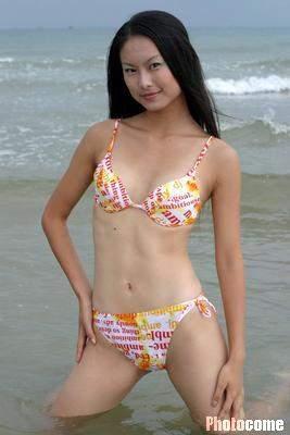 CCTV模特大赛 美女泳装出场 3