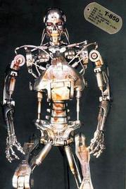 裸体美女射粺)�h._美女机器人两次裸体 《终结者3》令人期待