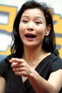 刘晓庆 陈冲/2003/08/30 09:24 来源:北京娱乐信报