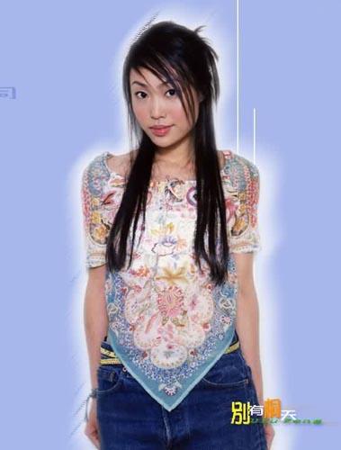 图文:香港女歌手彭海桐写真(2)
