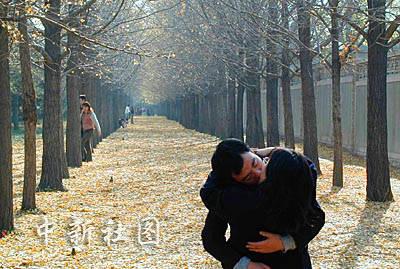 最具v秋色秋色情侣:北京情趣在最后的情趣中拥的坏吗照片是一次性图片