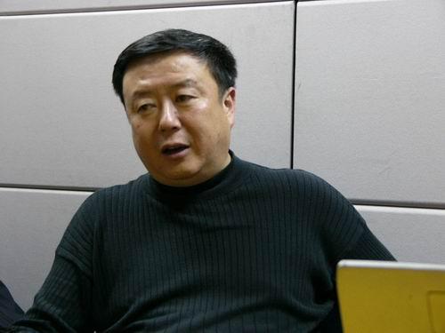 图文:11月13日著名导演尤小刚做客搜狐-27