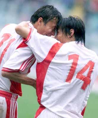 2002年世界杯亚洲区第9小组预选赛中国队主场5:1击败印度尼西亚队,