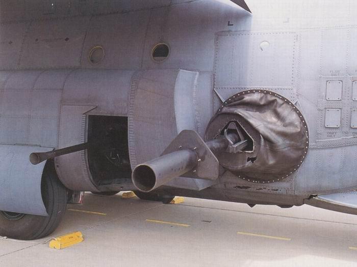 美用精确制导弹药装备ac-130