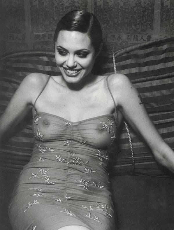 图文:美国著名影星安吉丽娜 朱丽写真