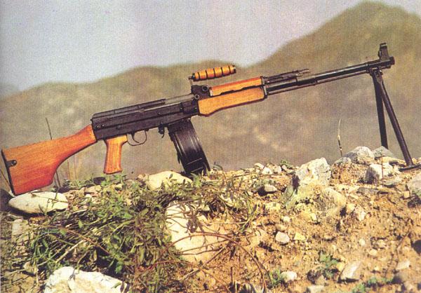 中国人民解放军陆军装备 81式班用轻机枪