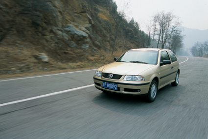 km/h(实)   刹车距离
