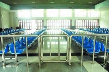 1月28日,粤海铁路将首开货运,具有热带风情的火车客运站已基本完工