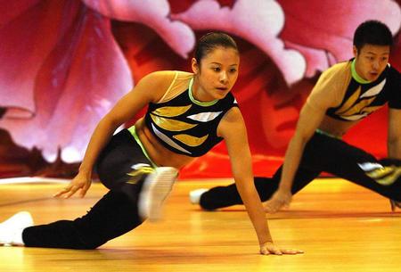 体育频道综合广场综合其他当日,为期一周的体育健美操锦标赛暨第天津市河东区万达全国保龄球馆图片