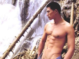 赤色风暴 5男模拍全裸写真展现阳刚美
