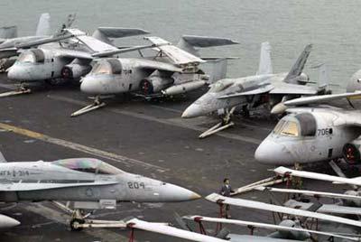 """日,美国核动力航空母舰战斗群""""卡尔文森号""""抵达香港,计划逗留"""