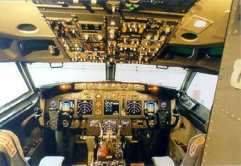 波音737-800驾驶舱