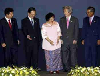 韩(10+3)领导人会议.会议的主要议题是加强东盟各国以及东盟同图片