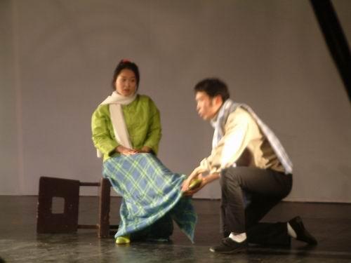 图文:人艺青年处女作戏剧展2003年谢幕演出之《瞎子和瘸子》5