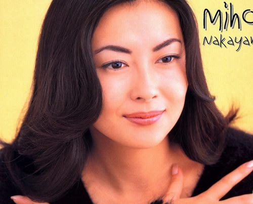 图文:日本气质美女中山美穗精彩写真