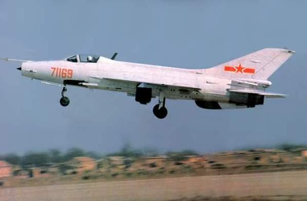 中国空军主力机型 新中国战斗机系列--歼7(组图)