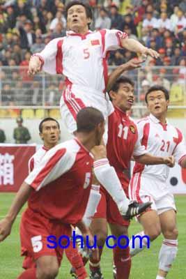 2002年世界杯亚洲区第9小组预选赛中国队主场5:1击败印度尼西亚队.